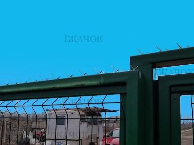 Накладка Їжачок - для парканів, підвіконь, даху та воріт( аналог декоративна перешкода Spike)