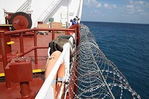 егоза на корабле, на барже, егоза защита от пиратов