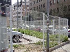 Забор из проволочных панелей
