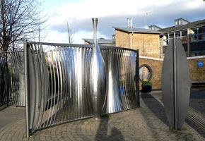 необычный металлический забор