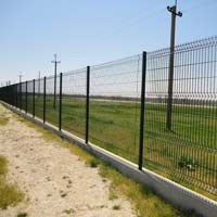 Забор из металлических проволочных секций