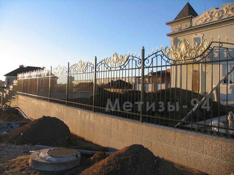 кованый забор Дворцовый с элементами штамповки