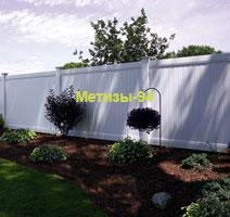 Глухой забор для ограждения сада