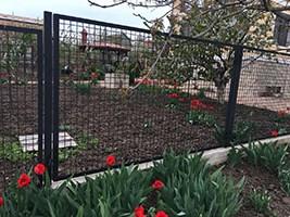 канилированная сетка забор